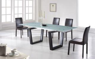 Как выбрать удобный кухонный стол