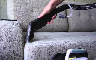 Почему в мягкой мебели может появиться неприятный запах и как от него избавиться