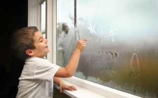 Что делать если окна в квартире часто запотевают