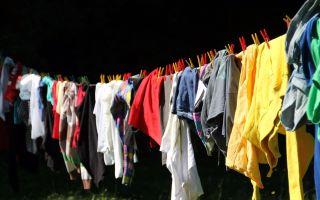 Как правильно стирать одежду, чтобы она не выцвела и не растянулась