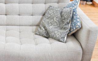 Как быстро почистить диван от грязи и пятен в домашних условиях