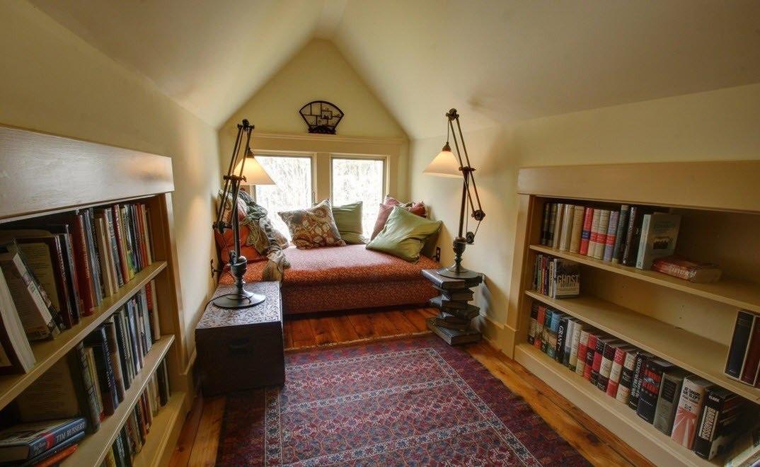Превращаем мансарду в комнату для чтения