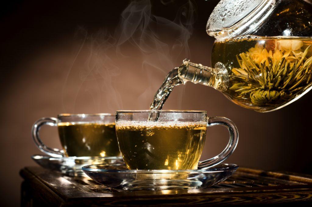 5 лучших средств на кухонной полке для удаления накипи из чайника