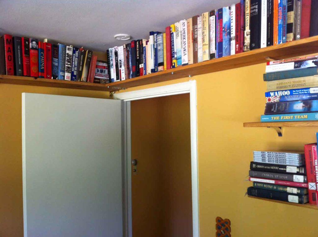 7 оригинальных идей по хранению книг