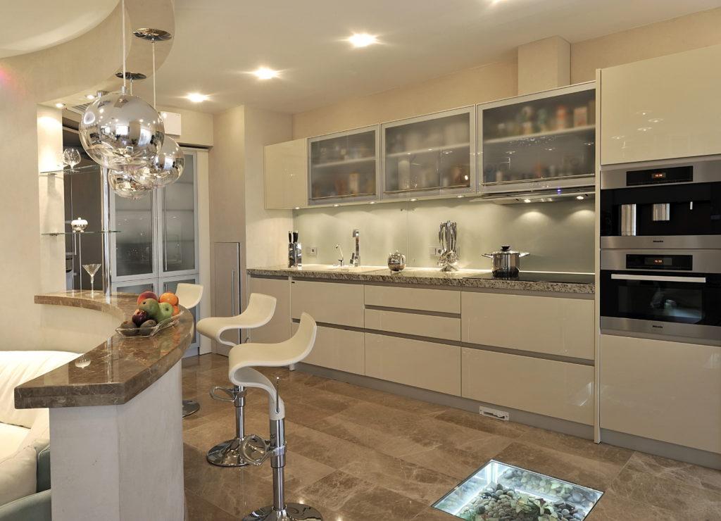5 практичных решений для дизайна кухни-гостиной