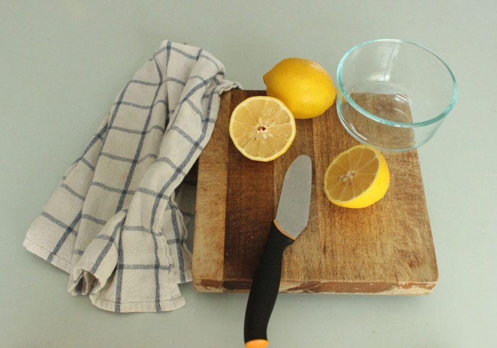 Как быстро избавиться от запаха гари на кухне