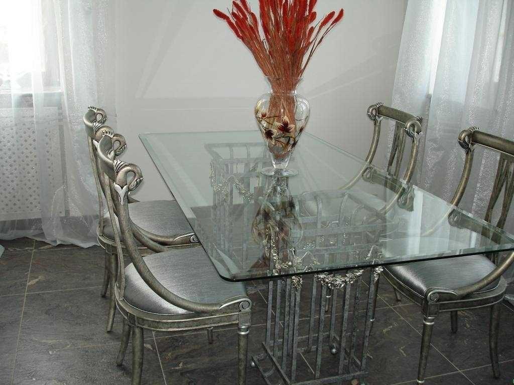 Столики из стекла - плюсы и минусы