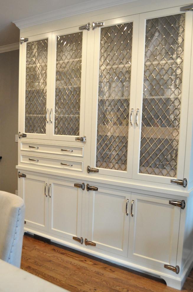 Мебель с фасадами из мелкой сетки