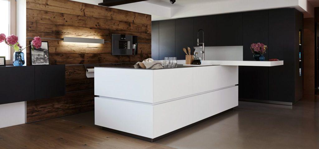Мебельные фасады без ручек: плюсы и минусы