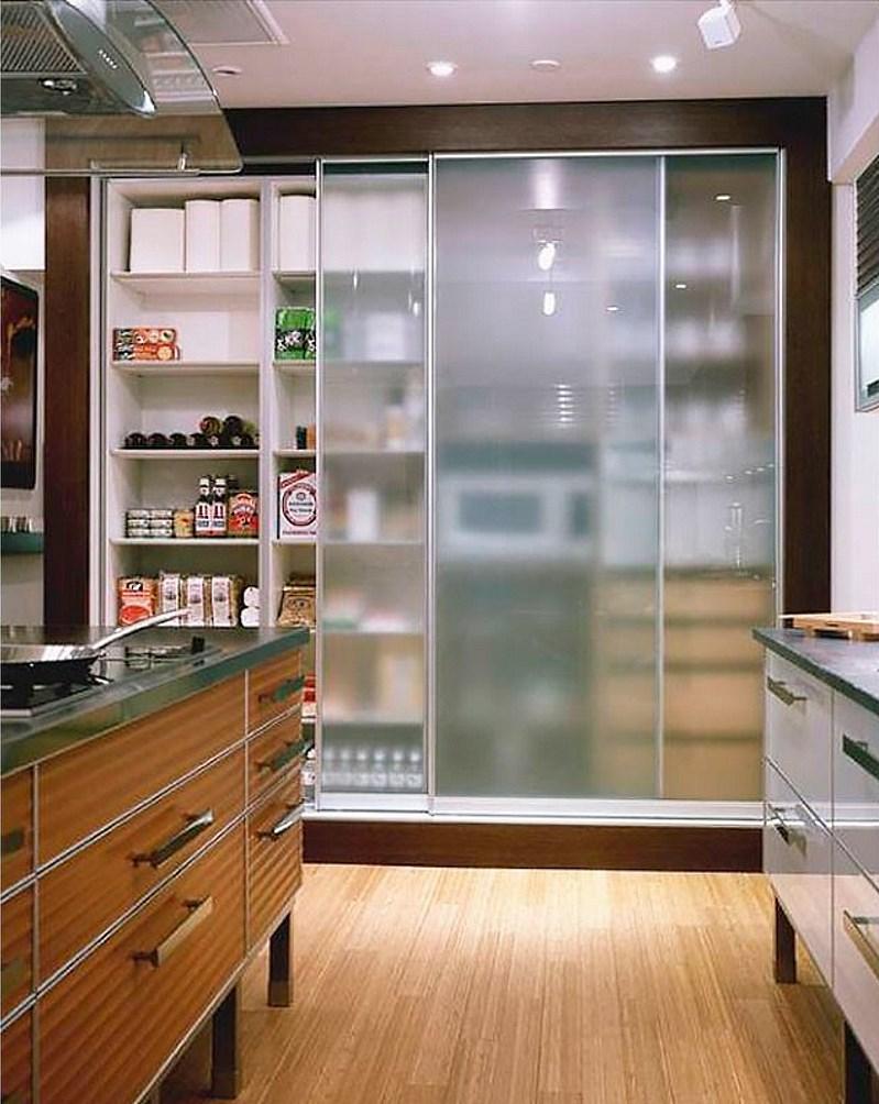 Преимущества и недостатки шкафа-купе для кухни