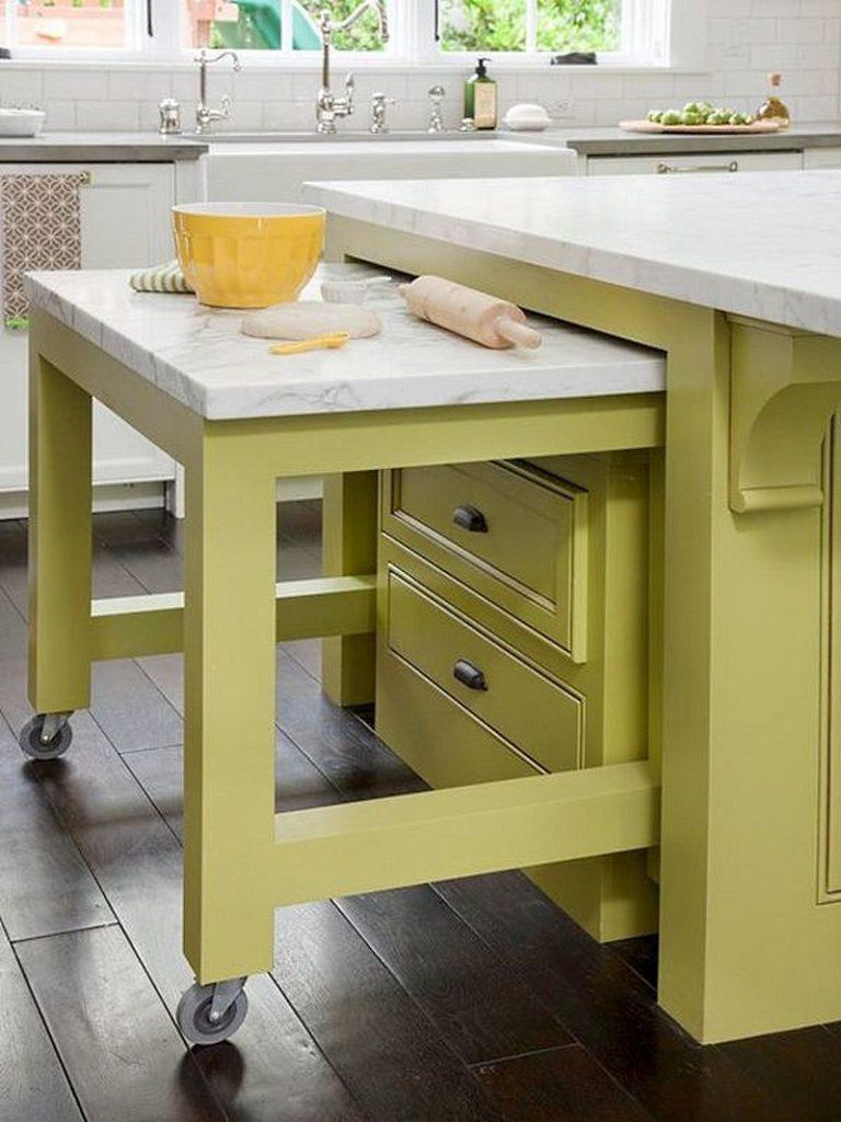 Как выдвижная столешница поможет сэкономить место на кухне