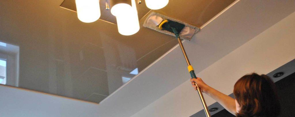 10 советов по мытью потолков в квартире