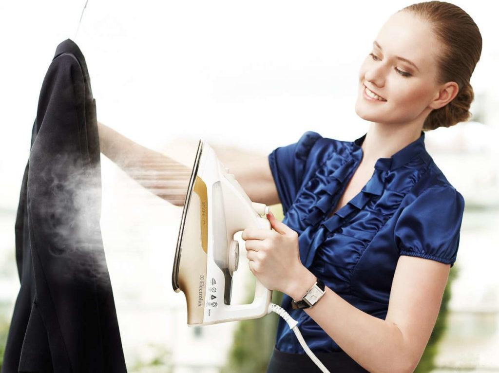 9 советов как почистить и погладить верхнюю одежду самостоятельно
