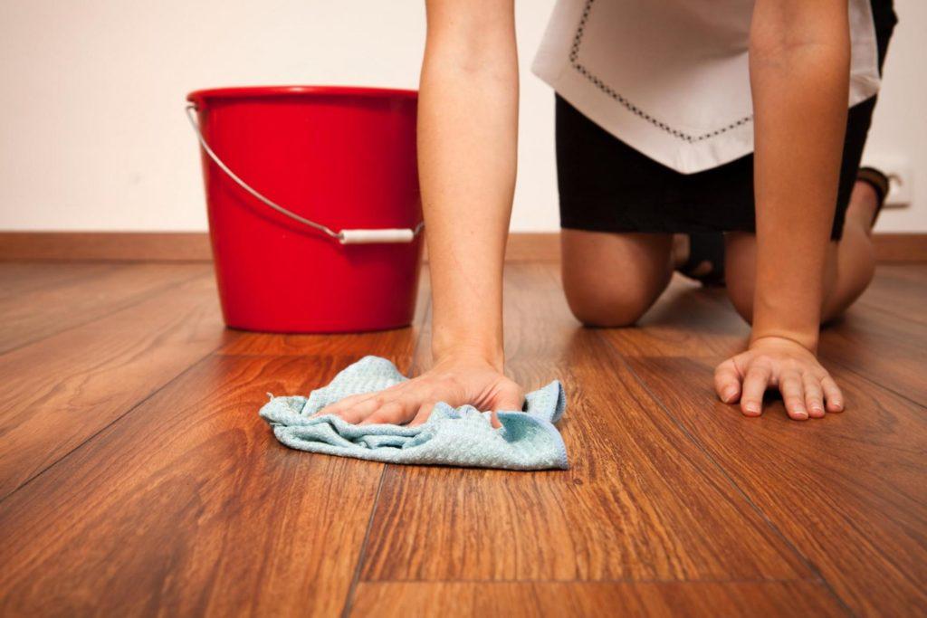 Как правильно мыть ламинат и паркет, чтобы не оставались разводы