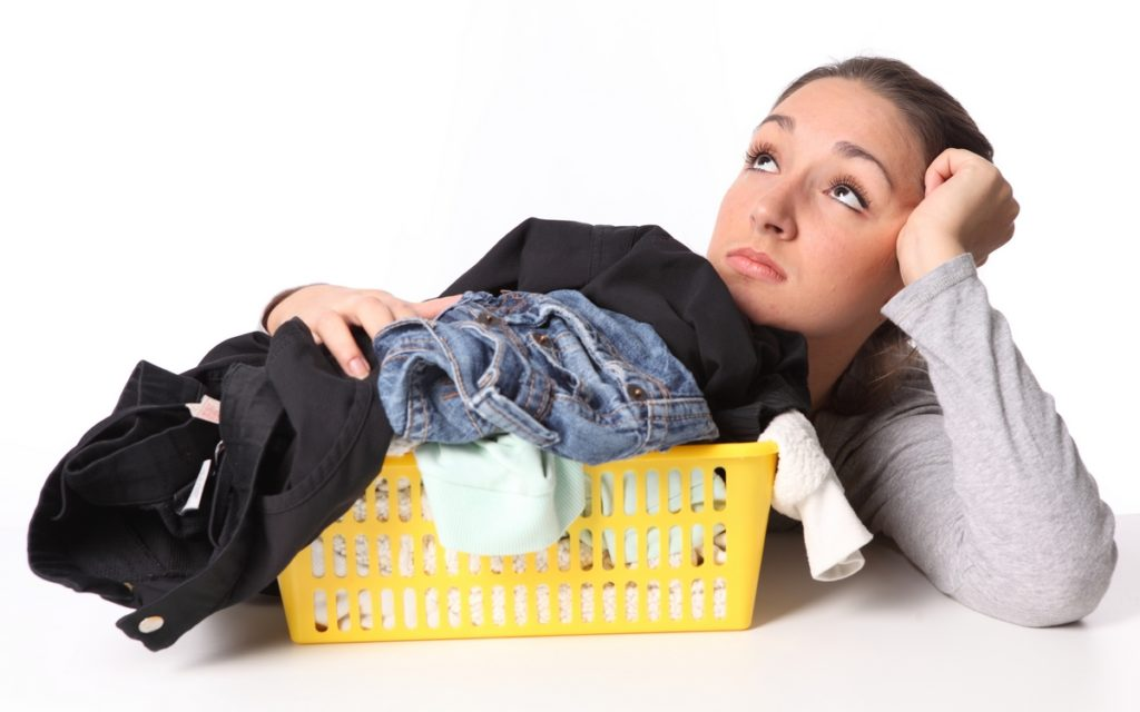 Как приготовить антистатик для одежды в домашних условиях
