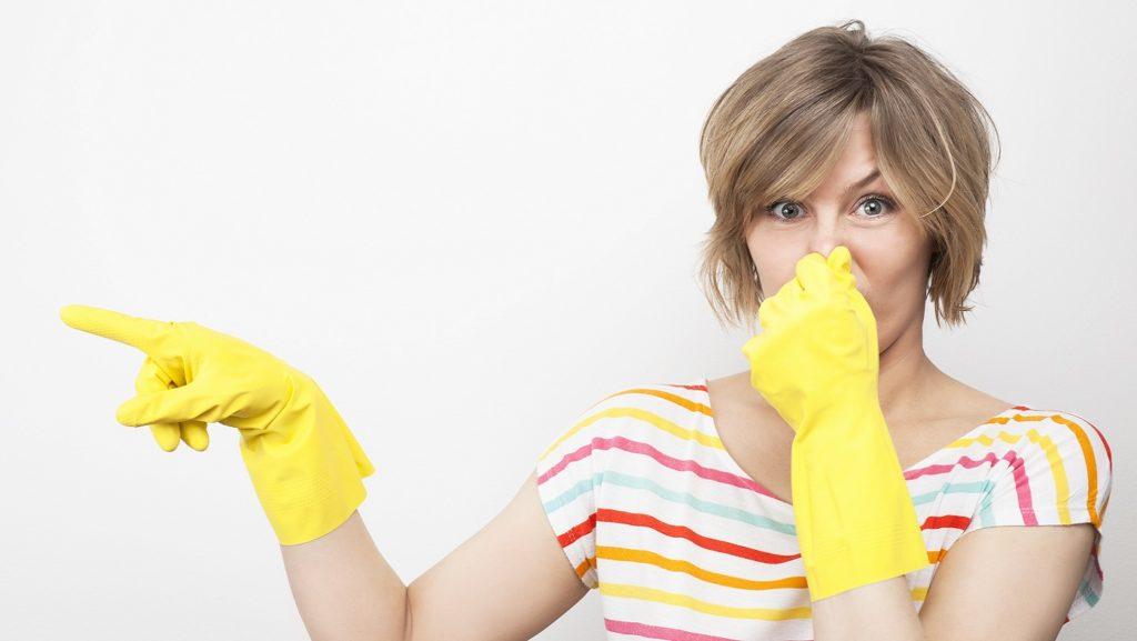 10 способов применения уксуса в уходе за домом