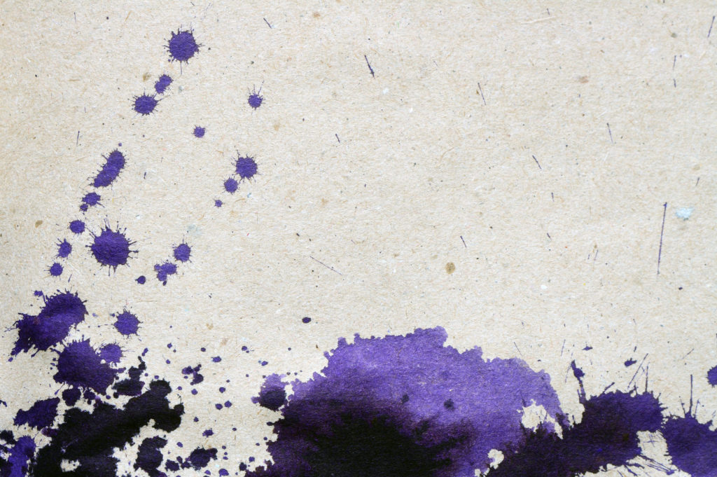 Как вывести следы от шариковой ручки с одежды