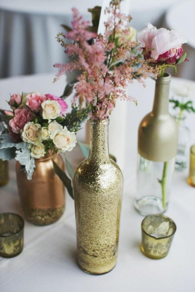 Стильные и практичные предметы интерьера из простых бутылок