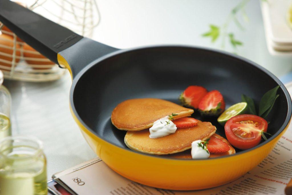 5 советов по уходу за посудой с антипригарным покрытием