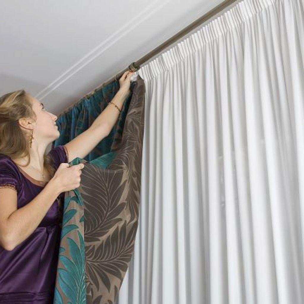 Как легко отстирать занавески от серости и желтизны