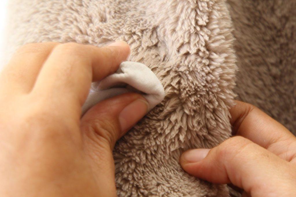 Как в домашних условиях почистить шапку из различных материалов