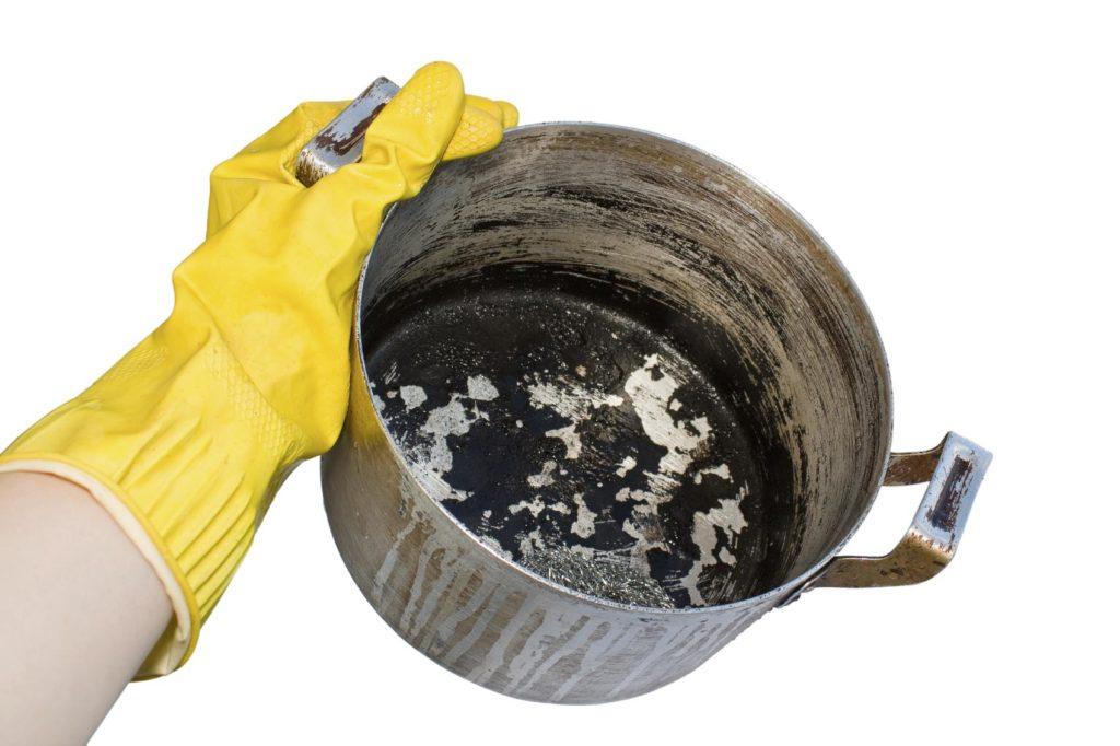 7 простых советов чтобы быстро отмыть сильно загрязненную посуду