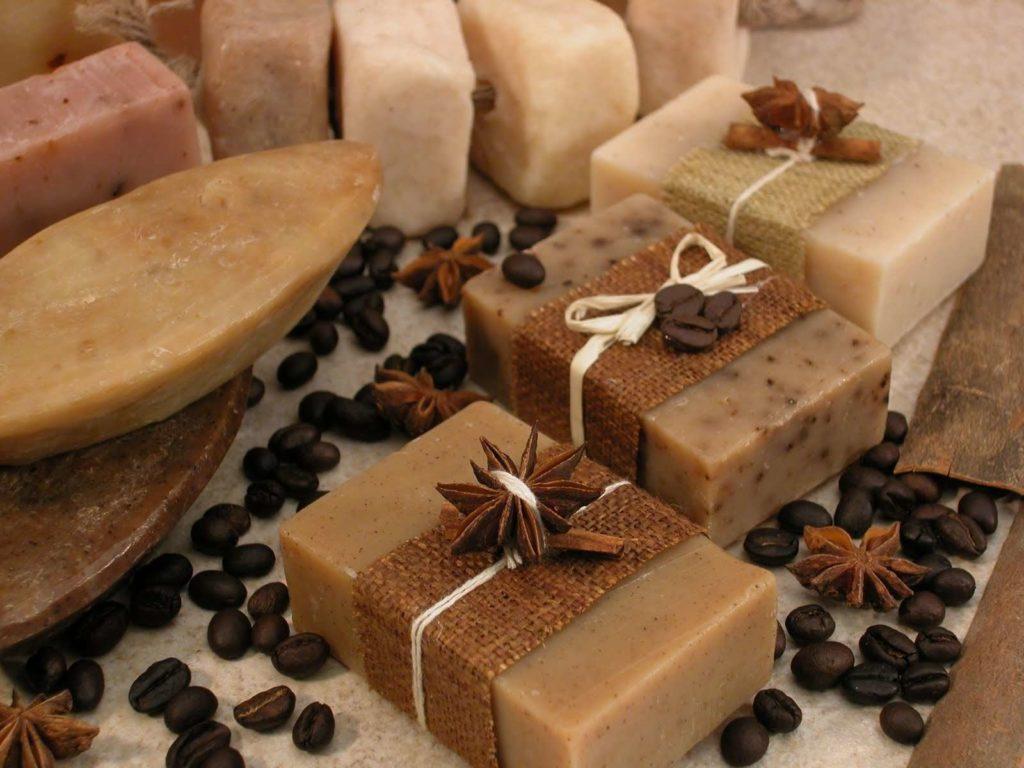 9 необычных способов применения хозяйственного мыла