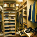 Какие системы хранения обуви удобны для гардеробной