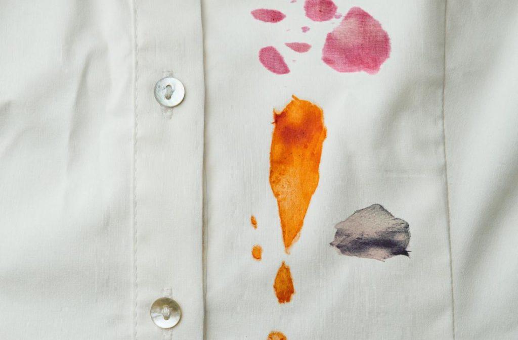 Как вывести жирное пятно с одежды