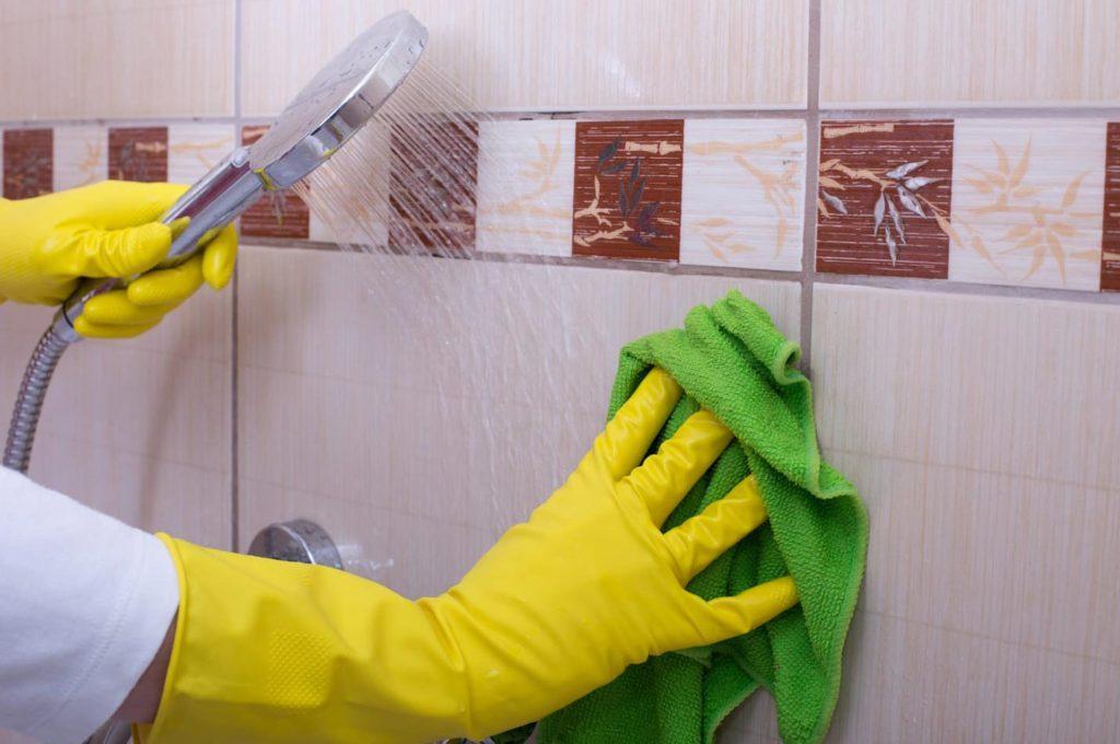 Как почистить до блеска плитку и кафель