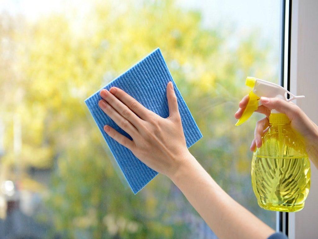 Как помыть окна быстро и без разводов и как выбрать тряпку