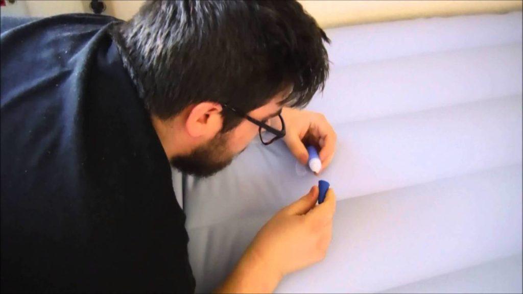 Как заклеить надувной матрас дома самостоятельно