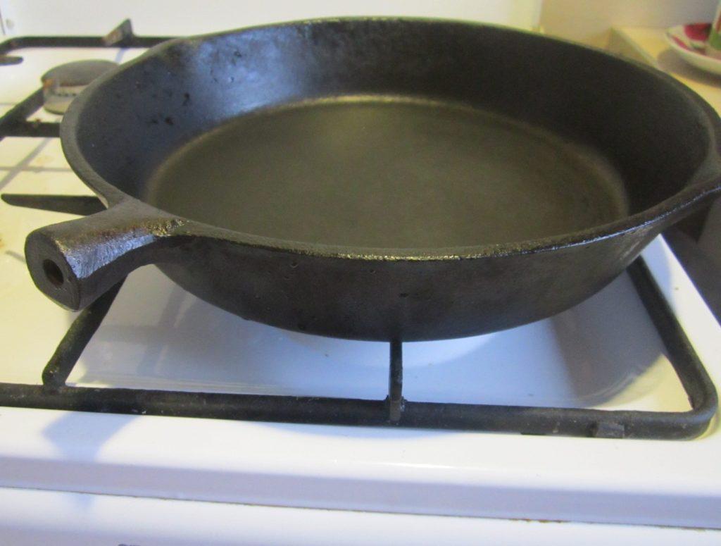 Удаляем ржавчину с чугунной сковородки