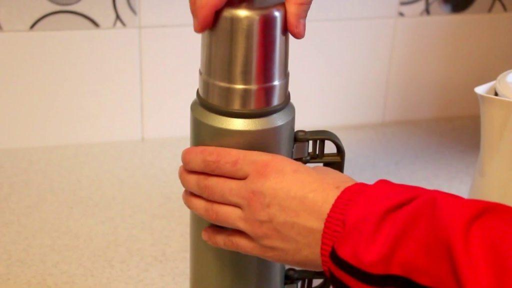 Как убрать налет и неприятный запах из термоса