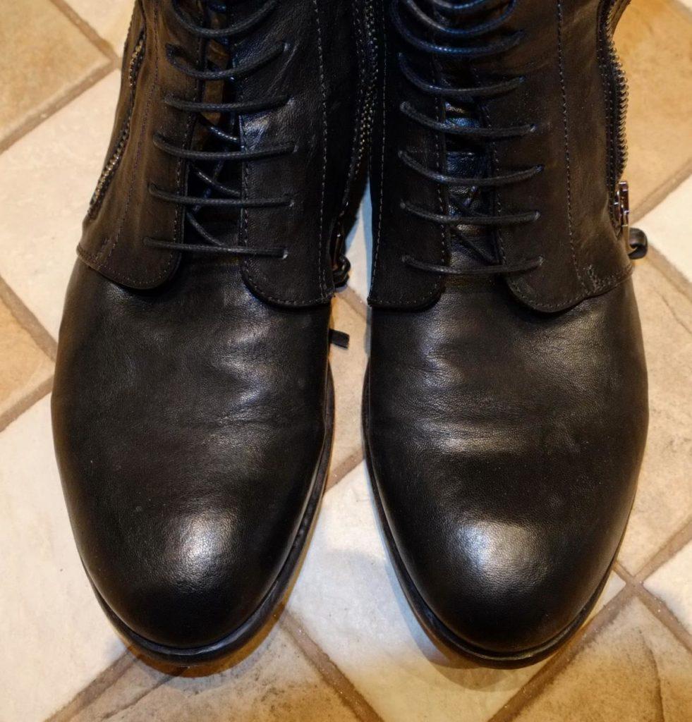 Как разгладить складки на кожаной обуви своими руками