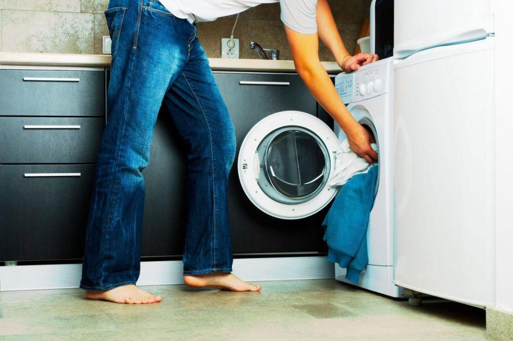 Как стирать мембранную одежду в стиральной машине и вручную