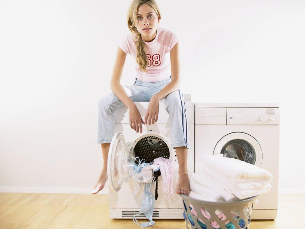 Как убрать и чем очистить пятна силикона с одежды в домашних условиях
