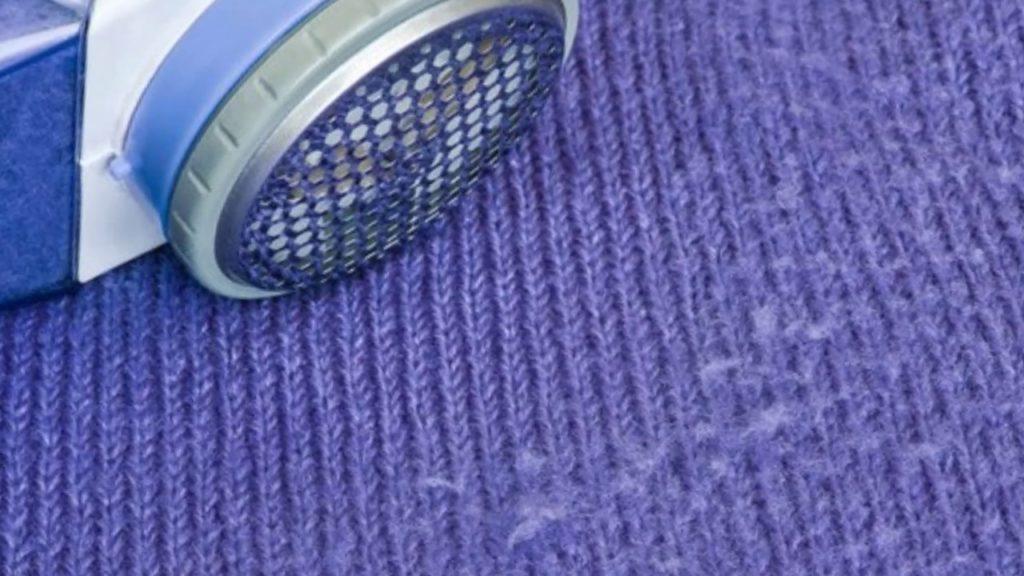 Как быстро убрать катышки с одежды