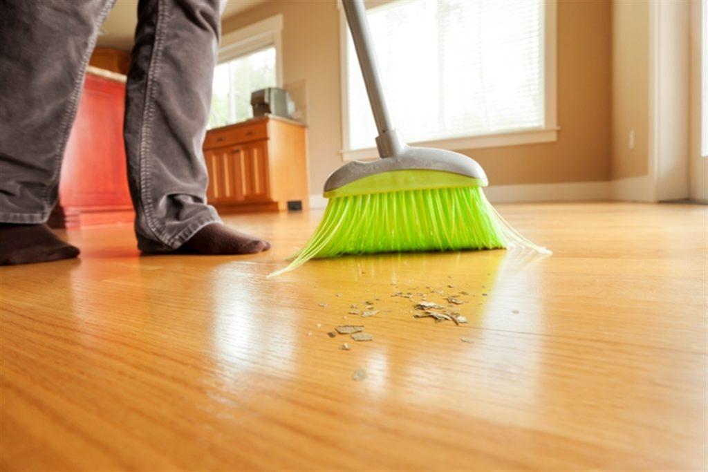 Несколько способов уменьшить количество пыли в квартире