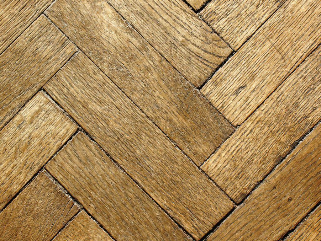 10 главных правил в уходе за деревянным паркетом