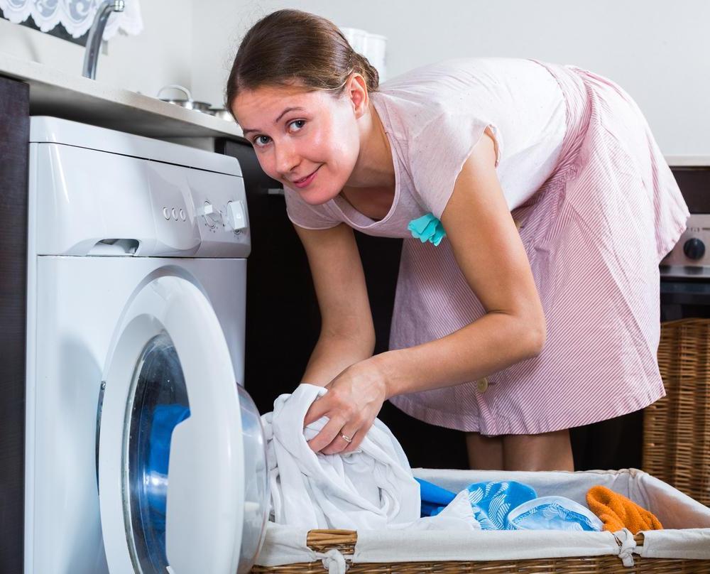 Зачем опытные хозяйки добавляют в стиральную машинку уксус