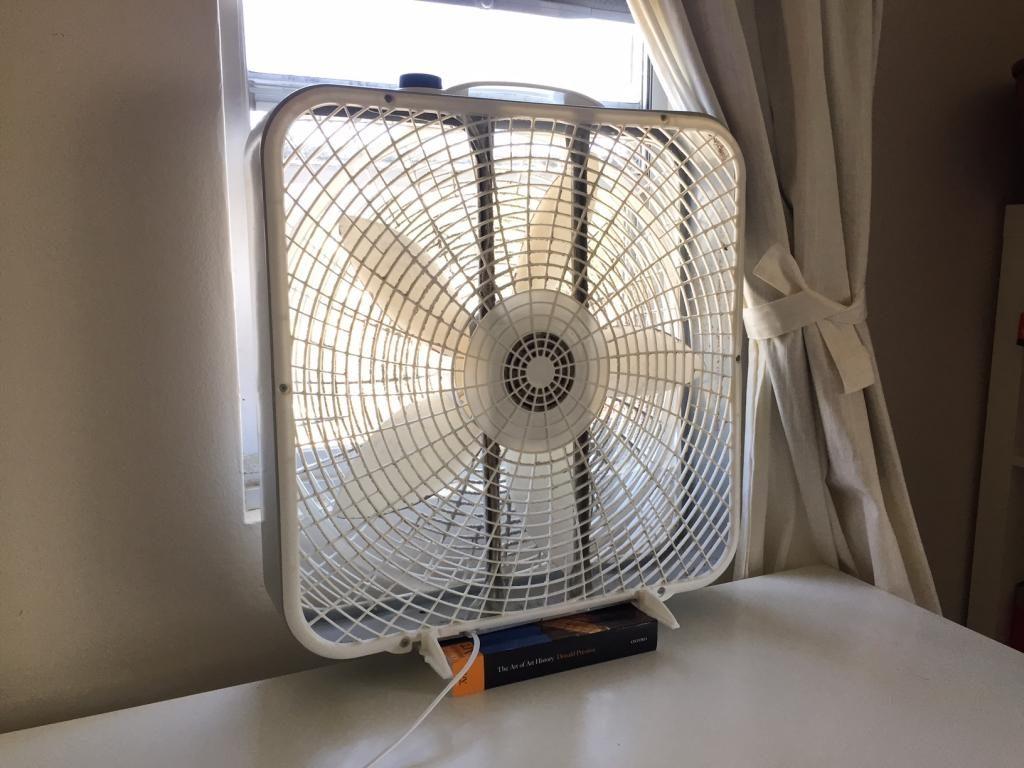 Как быстро охладить квартиру в сильную жару
