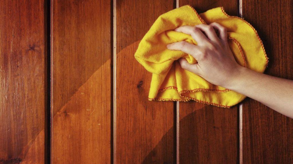 Как нужно ухаживать за полированной мебелью