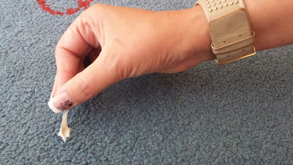 5 советов чтобы легко убрать жвачку с текстиля и мебели