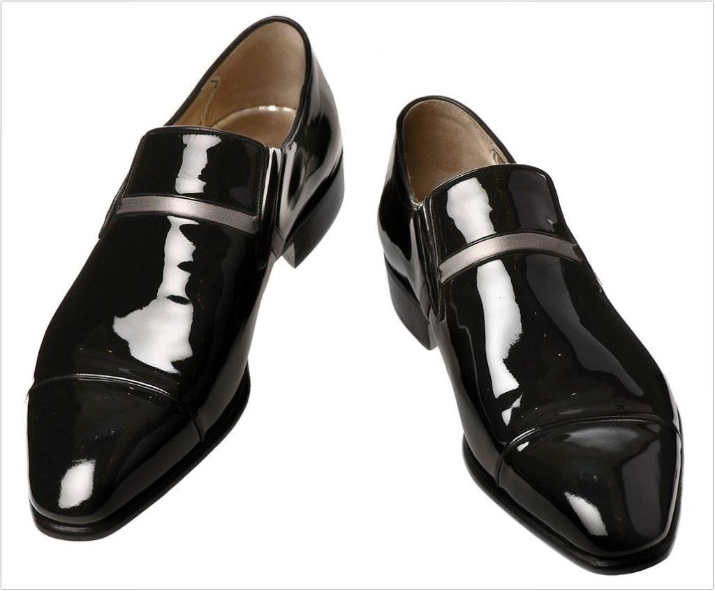 Как убрать полосу с темной обуви