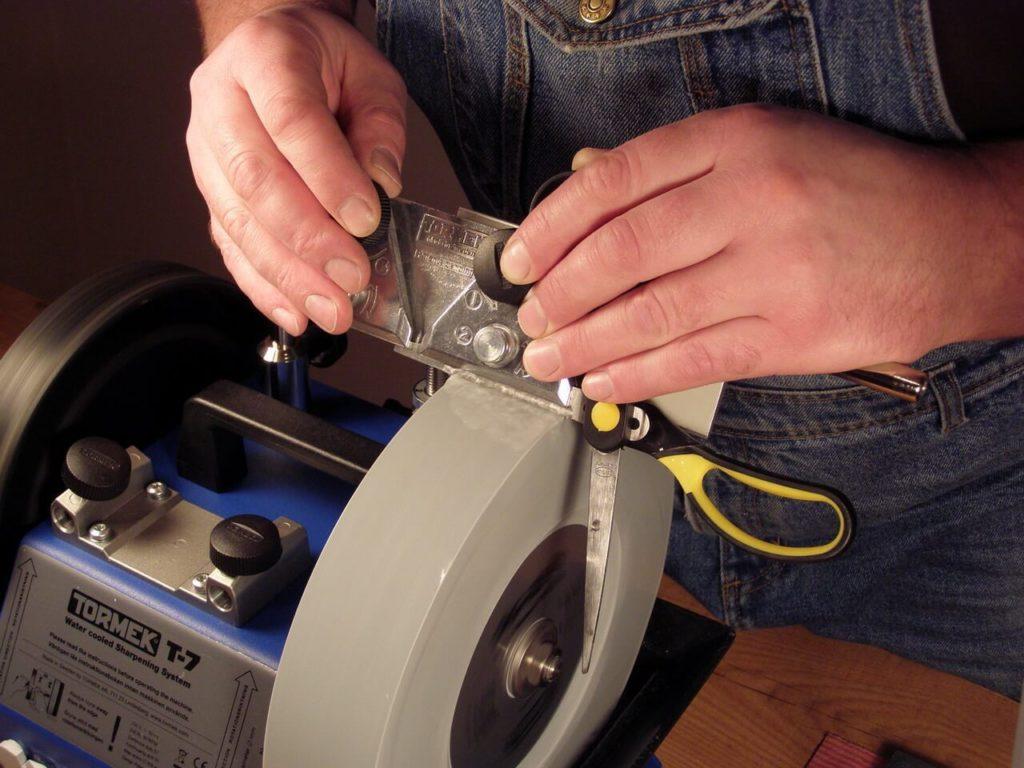 Как самостоятельно заточить ножницы в домашних условиях
