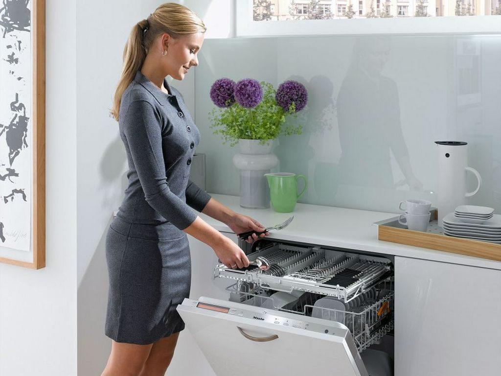 Как повысить качество мытья посуды в посудомоечной машине своими силами