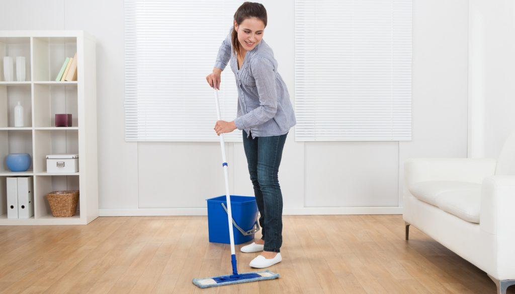 Какими моющими средствами можно мыть ламинат