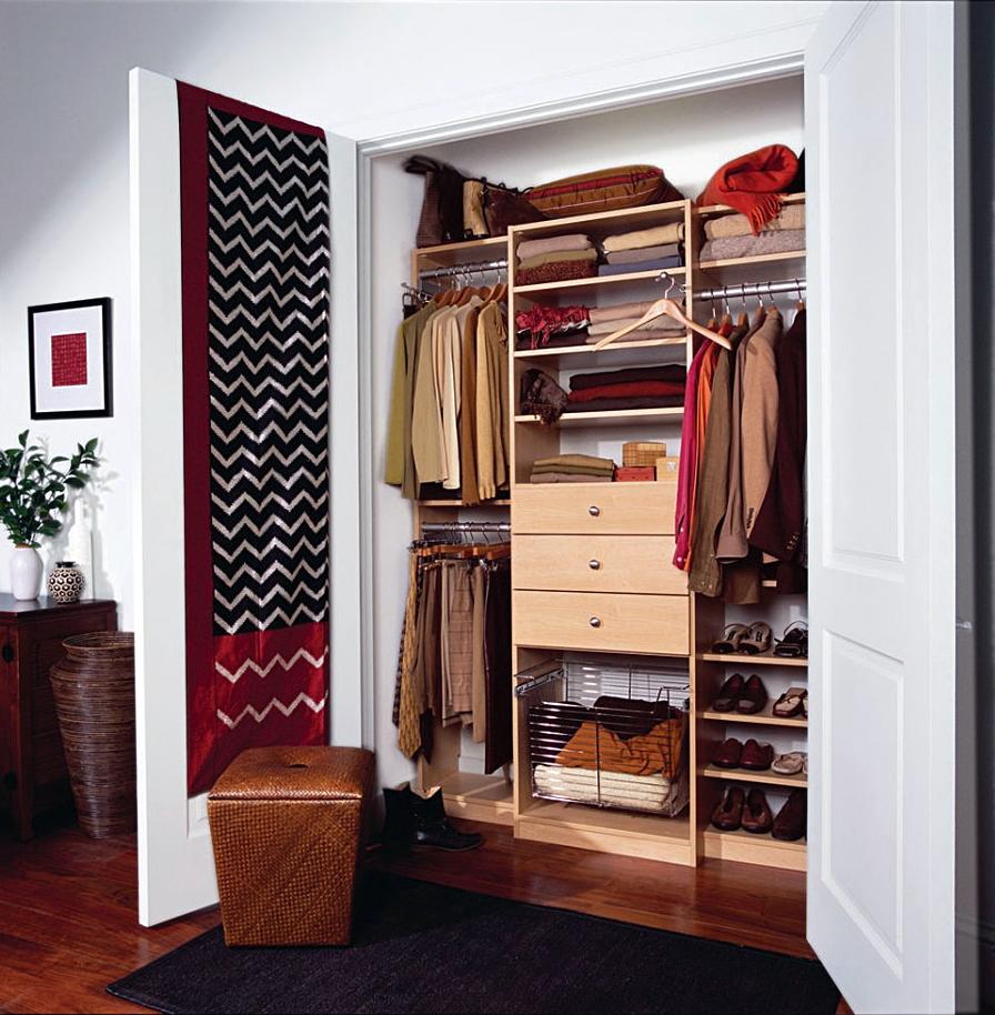 Почему в платяном шкафу может появиться неприятный запах