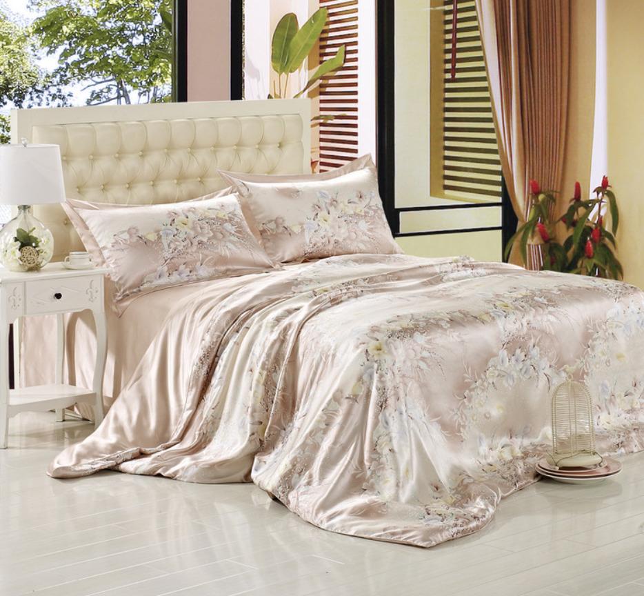 Преимущества и недостатки постельного белья из натурального шелка